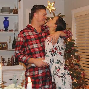 We hosted our first Christmas Eve at our cozy home 💚❤️ It was a beautiful success!
