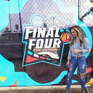 Thank you San Antonio for hosting the #finalfour #NCAABASKETBALL #championship Game! I'm SO Giddy to be here! #dreamcometrue @umichbball VS  @novambb 🏀😍💃🏼#michigan  #spirtsfan #luckygirl