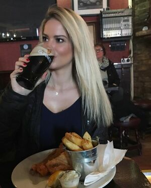 Having a pint and some fish n' chips at the oldest pub in Ireland ✔️